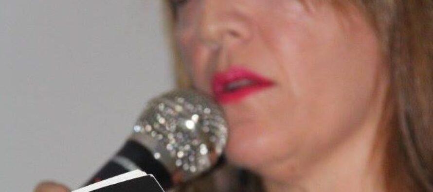 """Carolina Zamudio: """"Escribo, para unir piezas rotas y intentar recomponer el caos"""""""