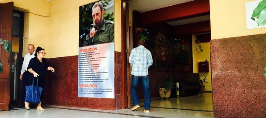 U.S. builds fan base in Cuba, aims at regime change