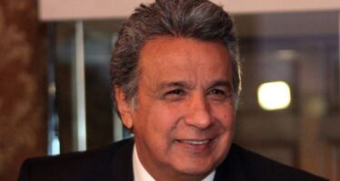 Lenin Moreno retira las funciones a vicepresidente Jorge Glas