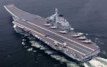 China incorpora a su marina su segundo portaviónes